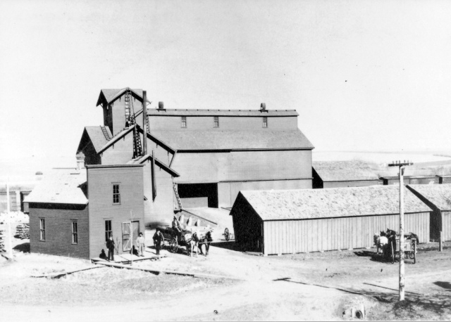 Crowell Lumber & Grain Co 1899