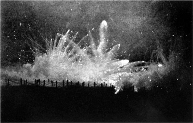 800px-German_Barrage_Fire_at_Night_(Ypres)