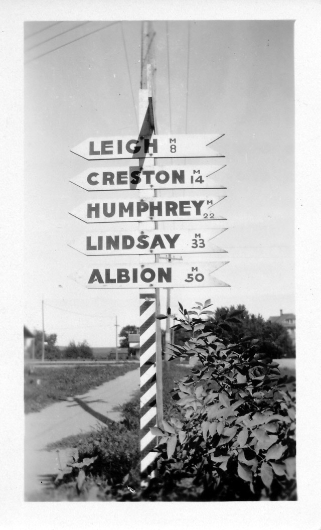 Road Sign on Old Hwy 91 in Clarkson