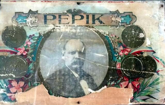 Old Pepik cigar box