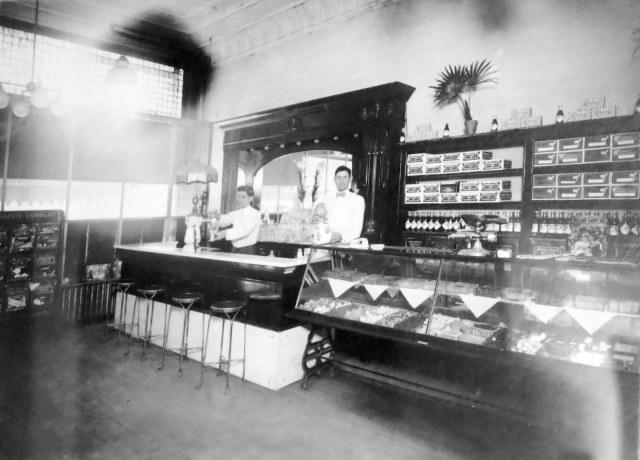 Kubik Confectionary Store 1916-1918