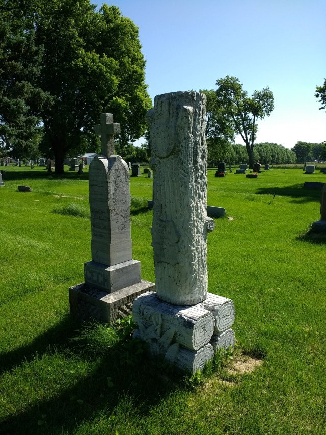 WoW Gravestone in Schuyler 2